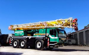 6- tonne mobile crane